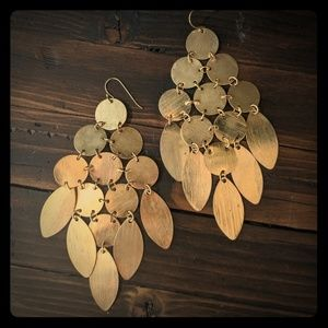 Gold party earrings!